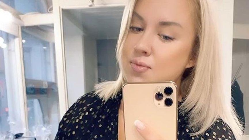Henna Kalinainen hehkuu raskausonnea.